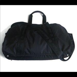 Lululemon Jet Running Duffel bag, black large